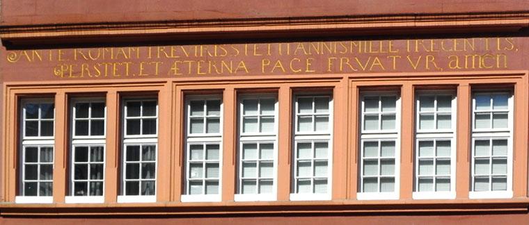 Zum Domstein - Trier - Inschrift
